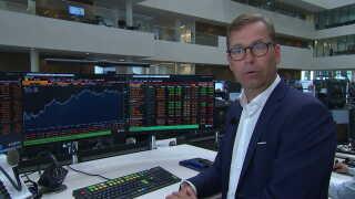 Chefanalytiker hos Nordea, Niels From, da det danske aktiemarked åbnede klokken 9. Ifølge Niels From en åbning i 'mild negativ'.
