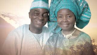 David Oyedepo sammen med sin kone, der bærer det ganske passende fornavn Faith. Hun spiller også en stor rolle David Oyedepos kirke.