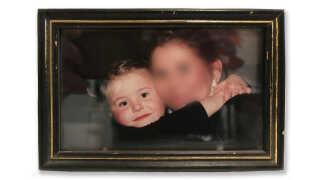 Fransiska Mannerup med sin nu afdøde, biologiske mor omkring år 2003.