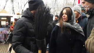 Aleksandra Sklyar på gaden til en nationalkonservativ demonstration.