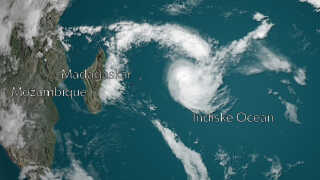 Den tropiske cyklon Joaninha midt i det indiske ocean 28 marts 2019