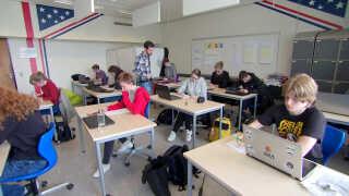 Mere plads ved bordene, færre elever og ekstra hjælp fra lærerene giver unge med autisme og andre diagnoser mulighed for tage en HF på Mariagerfjord Gymnasium.