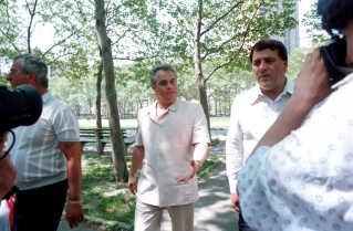 John Gotti, som ledede Gambinoklanen fra 1985 til 2001. Gotti var glad for mediernes opmærksomhed i modsætning til Francesco Cali.