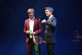 Martin Brygmann og Jimmy Jørgensen stod for en del af underholdningen, da Kronprins Frederik indviede K.B Hallen.