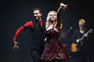 Danseparret Bjørn Bitsch og Ashli Williamson var også en del af underholdingen, da K.B. Hallen på Frederiksberg i dag blev indviet.