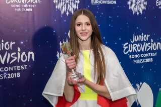 Det blev den 13-årige Roksana Węgiel, der i går kunne løfte vindertrofæet som sejrherre ved det europæiske Melodi Grand Prix for børn.