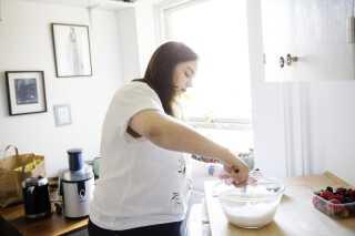 Minoo har brugt bagning til at fjerne fokus fra sin angst.