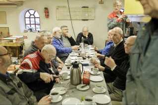 Næsten dagligt er der mænd i Uhrentholdgaards værksteder. De glæder sig til at flytte i nye rammer, når det gamle rugbrødsbageri står færdigt.