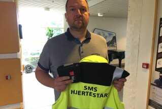 Christian Engen har altid sin frivillighedsvest og pakken med mundstykke klar, hvis han pludselig bliver kaldt ud.