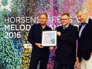 DRs Underholdningschef, Jan Lagermand Lundme, Horsens' borgmester, Peter Sørensen, og direktør for Horsens & Friends, Frank Panduro ved dagens pressemøde.