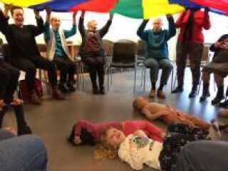 'Bevæg dig glad' forsøger at få børnevennerne ud på alle Fredericias plejecentre.