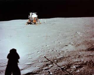 Månens overflade. Billedet er taget under Apollo 11-missionen.