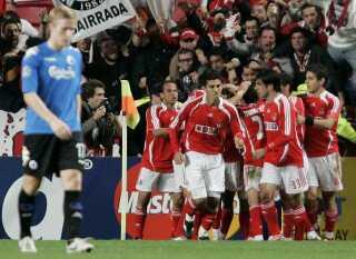 Benfica fejrer en scoring mod FCK i Lissabon.