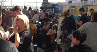 Køen til Ryanair-skranken lørdag i Stansted lufthavn.