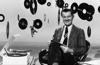Otto Leisner var vært på det meget populære 'Giro 413' og blev i 1952 kåret til 'Årets radiofavorit' af Det Ny Radio Blad (nu Se & Hør).