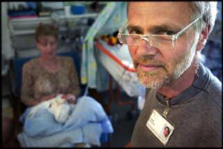 I over 25 år har Gorm Greisen arbejdet for at gøre livet bedre for for tidligt fødte børn på Rigshospitalet.