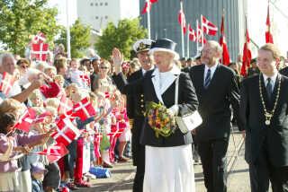 Knap et år efter Michael Aastrup Jensen (th) var blevet valgt, var han vært for Kongehuset, som var på besøg i Randers i anledning af byens 700 års købstadsjubilæum.