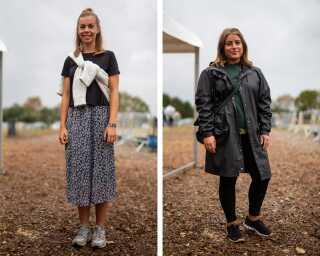 Helt anderledes og praktisk var deres påklædningen søndag,hvor regnen silede ned hele dagen på Smukfests sidste dag.