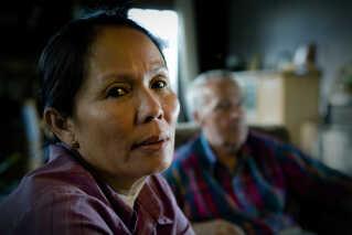 Sommai og Niels Jørgen Molbæk blev gift for mere end 25 år siden. Dengang var der ikke mange thailandske kvinder i Thy. I dag er der 926 i Region Nordjylland. Det har blandt andet Sommai været med til at ændre. 'Hjertelandet' er en livsfortælling om både kærlighed på tværs af grænser og de svære valg, man bliver nødt til at tage i kærlighedens og omsorgens navn. Sommai er fortællingens omdrejningspunkt.