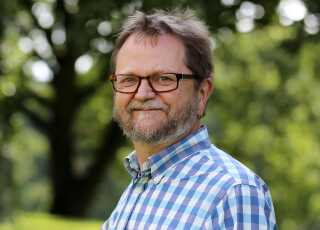 John Thøgersen professor i økonomisk psykologi ved Aarhus Universitet. Han forsker blandt andet i klimaftrykket for fødevarer.