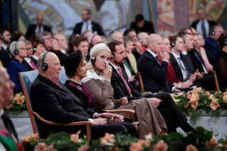 'Vi beder i stilhed. Min gud, sig til os, at det, vi ser, ikke er sandt. Sig til os, at det er en ond drøm. Sig til os, at når vi vågner, er alt godt. Men det var ingen ond drøm. Det var virkelighed. Det er blevet den nye virkelighed i Congo', sagde han og fremkaldte både stående bifald og tårer hos tilhørerne, heriblandt den norske kronprinsesse.