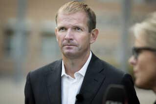 Forsvarsadvokat Michael Juul Eriksen skal repræsentere Loyal to Familia, hvis der bliver en rejst en sag ved de danske domstole for at få prøvet, om banden er en ulovlig forening i grundlovens forstand.