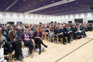 1400 folkeskolelærere i naturfagene er samlet til konferencen Big Bang i Odense i dag og i morgen