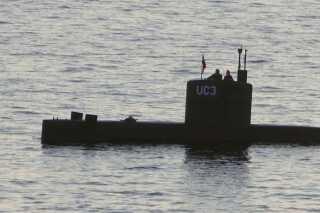 Her ses Kim Wall og Peter Madsen på ubåden torsdag den 10. august.
