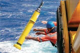 Tusindvis af Argo sonder har nu i årevis målt havtemperaturen. Det giver meget bedre data, der ser ud til at bekræfte klimamodellernes forudsigelser.