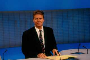 Ole Thisted nåede at bestyre rigtig mange TV-aviser gennem årene - så mange, at også han fik tilnavnet Mr. News. Han havde en afstikker til TV 2 og 'Eleva2ren' i løbet af 1990'erne, og stoppede i DR i første omgang i 2001. Senere fulgte 10 år bag kameraet som redaktør på TV 2 Bornholm, inden Ole Thisted i 2018 vendte tilbage til DR for en stund.
