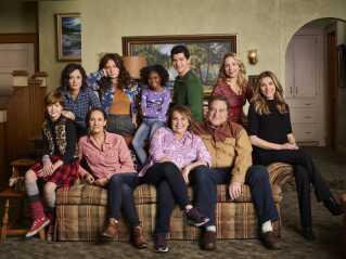 Komedieserien 'Roseanne' blev genoptaget med det originale cast i marts i år.