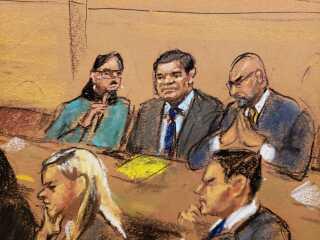 """Retstegning af Joaquin """"El Chapo"""" Guzman med sine forsvarere."""