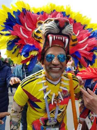 Masser af fans var dukket op til åbningskampen - også de colombianske.