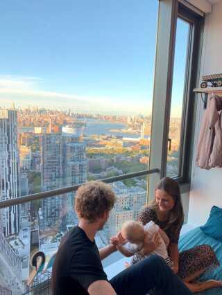 Udsigten er imponerende fra lejligheden på 47. etage.