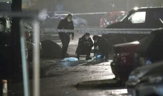 Politiet undersøgte gerningsstedet i Mjølnerparken i København, hvor en person blev skuddræbt den 9. november 2017.