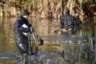 Søværnets Minørtjeneste har også hjulpet politiet i sagen om drabet på Louise Borglit. Kort efter drabet blev søen i Elverparken gennemgået.