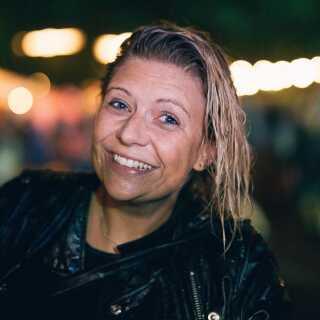 Maria Møller fra Aarhus havde en fremragende koncert, selvom regnen stod ned i lårfede stråler.