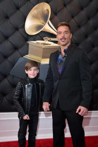 Ricky Martin, der lige nu er aktuel i Netflix-serien 'The Assassination of Gianni Versace', havde taget sin ti-årige søn Matteo med på den røde løber.