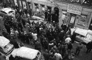 Politi sat ind for at fjerne slumstormere fra Sofiegården på Christianshavn.