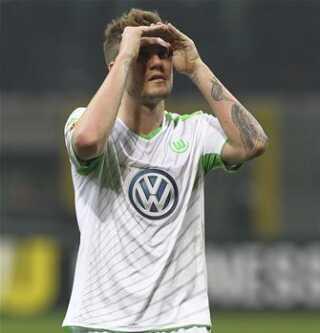 I øjeblikket spiller Bendtner i Wolfsburg, men spørgsmålet er, om han skimter en ny klub i horisonten. Selv siger han, at han har det godt i Wolfsburg.