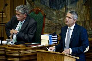 John Dyrby Paulsen på talerstolen i folketingssalen i 2012, da finansloven var under førstebehandling.