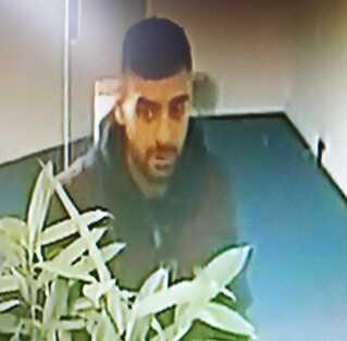 Det er denne mand, politiet efterlyser efter et bankrøveri begået i dag i Danske Bank på Torvet i Ringsted