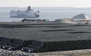 Nord Stream 2 er en 1.225 kilometer lang gasrørledning, der skal løbe fra Rusland til Tyskland gennem Østersøen – heriblandt igennem dansk farvand forbi Bornholm.
