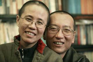Liu Xia og Liu Xiaobo - billedet, som er udateret, blev frigivet af parrets familie i 2010, da Liu Xiaobo modtog Nobelprisen. Han var på daværende tidspunkt i fængsel.