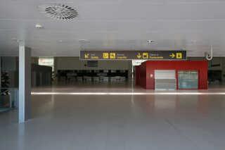 Lufthavnen Ciudad Real står tom, men internationale investorer har nu købt den til 10.000 euro.