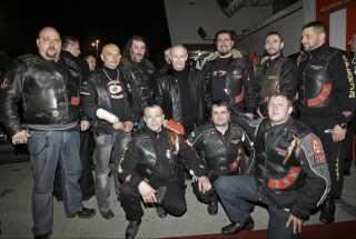 Vladimir Putin i selskab med motorcykelgruppen Nattens Ulve.