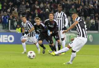 Arturo Vidal scorer her mod FCK i Torino