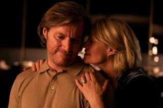 Filmen 'Dronningen' handler om Anne (Trine Dyrholm), der regerer med stor myndighed i sit eget liv. Hun er succesfuld og kompromisløs i sit virke som advokat og er lykkeligt gift med lægen Peter (Magnus Krepper). Filmen er en fortælling om begærets pris og løgnens magt.