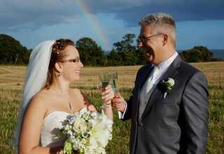 Christina og Dennis blev gift d. 29. september 2012.