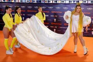 Sidste års Eurovision-vinder, Netta Barzilai, mødte naturligvis også op til åbningsfesten. Hun skal optræde i både den første semifinale og i den store finale på lørdag.